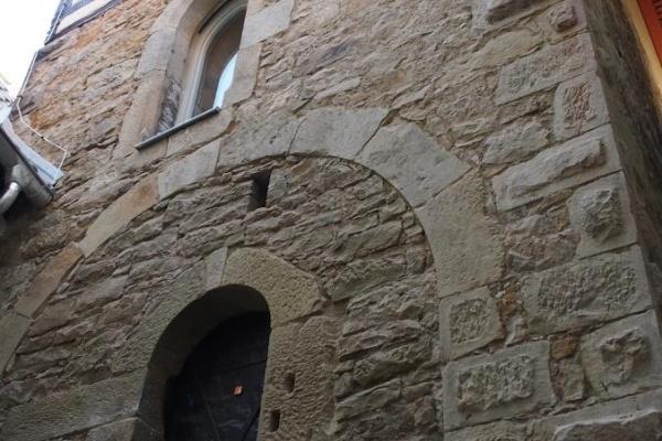 Wohnen hinter alten Mauern...