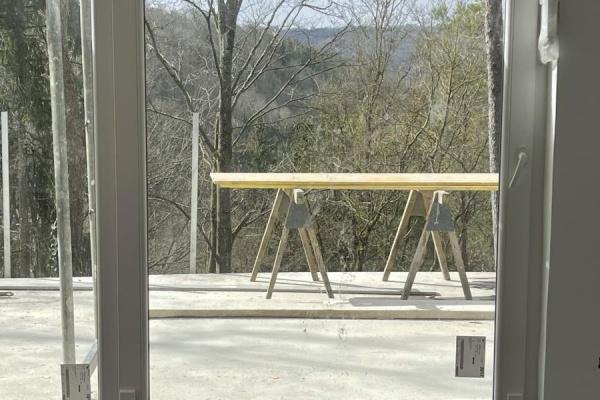 Ausblicke... An dieser Glasfront steht in Zukunft Ihr Sofa.