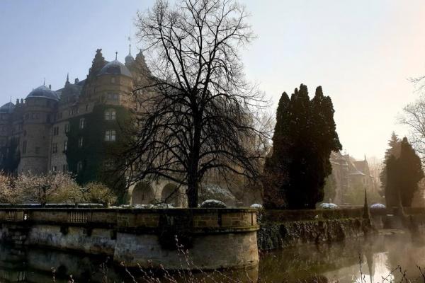Nahegelegen Schloss Neuenstein. Bildrechte Heinrich Brehm