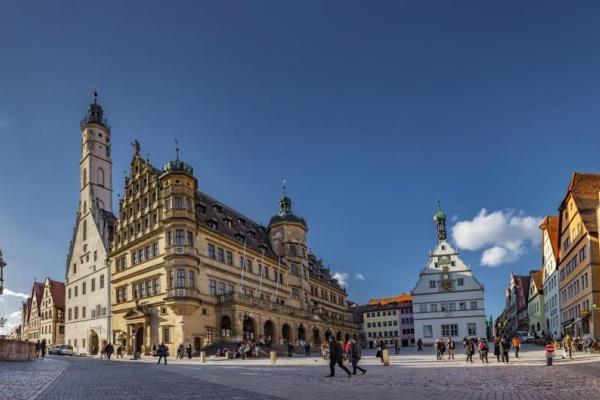 Die romantische Stadt Rothenburg ob der Tauber ist ein wunderbares Ziel in ca. 20 km Entfernung