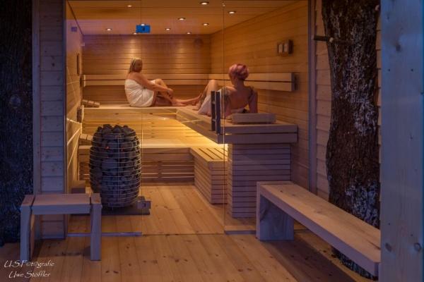 Am See - traumhafte Sauna mit Blick auf diesen