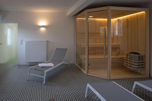 Die Sauna lädt zum erholsamen Schwitzen ein